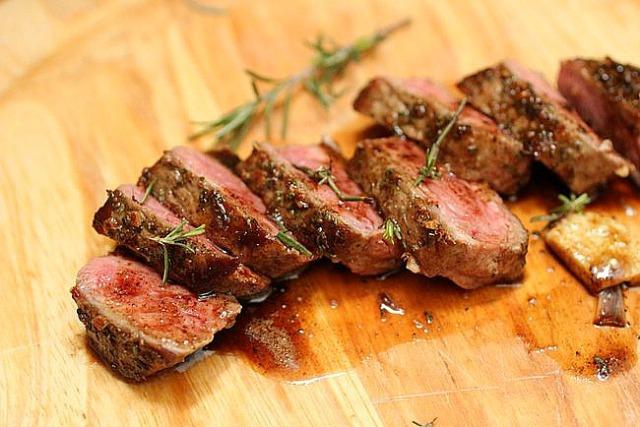 Rosemary Garlic Butter Steak | yolandamartins